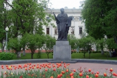 monument-turovskiy1-800x556